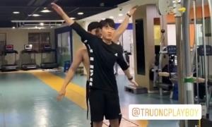 Xuân Trường tập luyện trên nền nhạc của Sơn Tùng M-TP