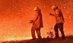 Cuộc vật lộn của lính cứu hỏa trong thảm họa cháy rừng Australia
