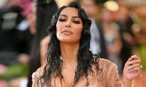 Nhà Kim Kardashian đấu khẩu với fan vì bị chê 'làm từ thiện bằng mồm'