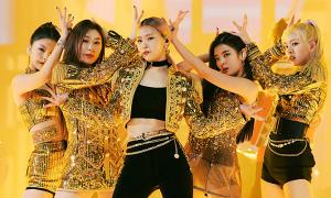 Mốt đồ diễn metallic sang chảnh của idol Hàn