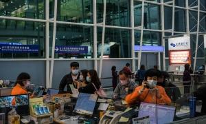 Sa thải 400 nhân viên hàng không vì virus corona