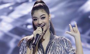 Á hậu Kiều Loan được HLV giành giật khi thi hát
