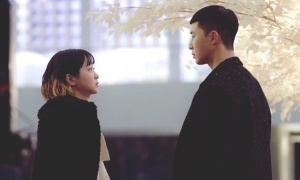 Nữ chính 'Tầng lớp Itaewon' thất tình: Người thương cảm, kẻ hả hê