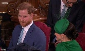 Khoảnh khắc Harry thì thầm với Meghan gây tò mò