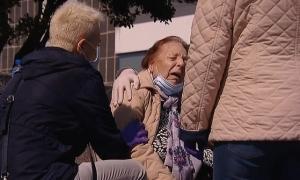 Cụ bà nhiễm nCoV bị trả về do 'bệnh chưa đủ nặng'