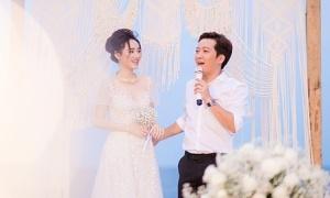 Nhã Phương - Trường Giang khoe ảnh đính hôn