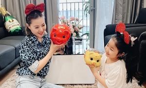 Thanh Hương dành thời gian cho chồng con khi ở nhà tránh dịch