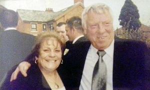 Cặp vợ chồng 53 năm qua đời cách nhau 12 giờ vì nCoV