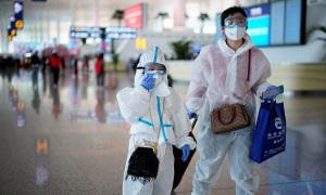 Người Trung Quốc vung tiền mua sắm ngay sau dỡ bỏ phong tỏa