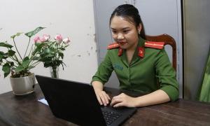 Thiếu úy công an dạy tiếng Anh miễn phí giữa Covid-19