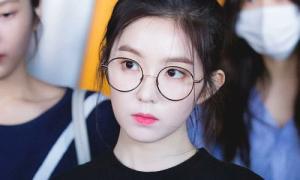 Không mê đồ đắt đỏ, Irene chuộng kính ngố như sinh viên
