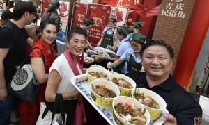 Thành phố 10 triệu dân ở Trung Quốc bất ngờ đóng cửa mọi quán ăn