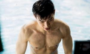 Cảnh ngực trần hot nhất MV vào top 1 trending của Erik