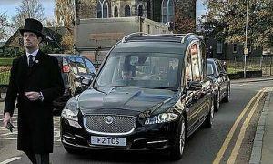 Giám đốc nhà tang lễ mô tả quá trình chôn cất nạn nhân nCoV