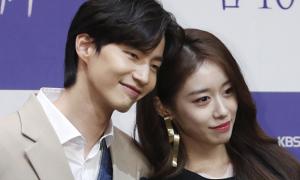 Ji Yeon (T-ara) bị đồn hẹn hò Song Jae Rim
