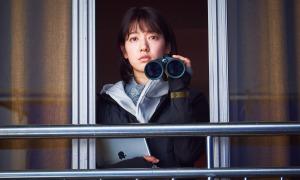 Park Shin Hye hết 'bánh bèo', mạnh mẽ tiêu diệt xác sống