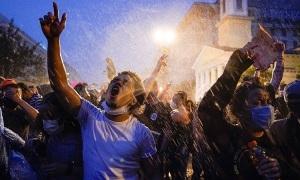 Những kẻ cướp trà trộn trong biểu tình ở Mỹ