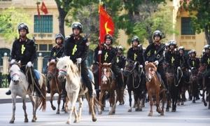 Cảnh sát cơ động kỵ binh ra mắt