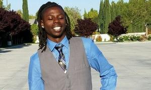 Thanh niên da màu chết trong tình trạng treo trên cây