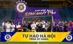 Hà Nội FC mừng sinh nhật 14 tuổi sau thất bại trước SLNA