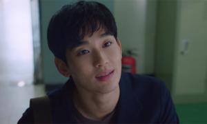 Phim mới vừa chiếu, nhan sắc Kim Soo Hyun được khen hết lời