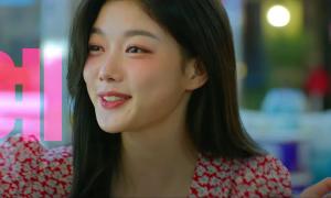 'Backstreet Rookie' tập 2: Kim Yoo Jung hóa 'em gái trà xanh'