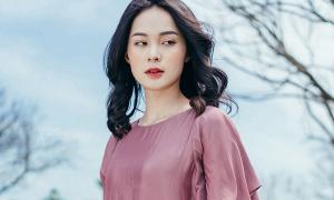 Hạ Vi hóa 'nàng thơ' với loạt váy hè bay bổng