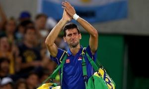Tay vợt hàng đầu Novak Djokovic và vợ dương tính với nCoV