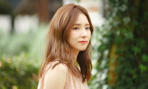 'Mỹ nhân mặt đơ' Shin Se Kyung đóng drama mới cùng Soo Young (SNSD)