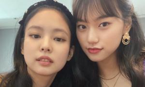 'Thánh ngoại giao' Do Yeon thân thiết với các mỹ nhân đình đám