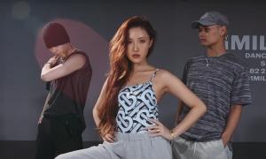 Hwasa và vũ công Lia Kim khoe vũ đạo trong phòng tập