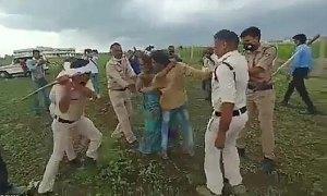 Vợ chồng nông dân nghèo bị cảnh sát đánh đập