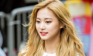 12 mỹ nhân Kpop để tóc thẳng hay tóc xoăn đều xinh hết nấc