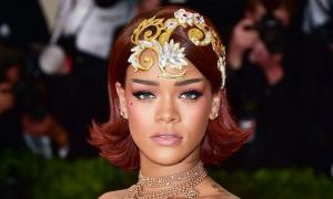 Rihanna từng sợ biến thành 'con hề' trên thảm đỏ