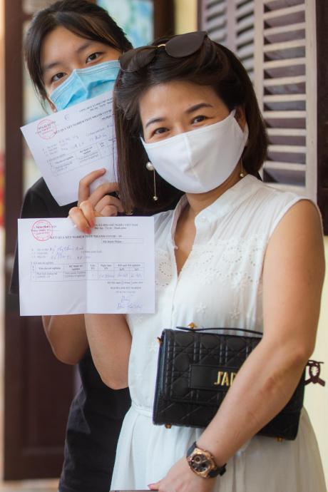 Test Covid-19 cho người từ Đà Nẵng về Hà Nội