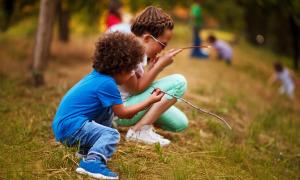 Hàng trăm trẻ em Mỹ nhiễm nCoV sau khi đi trại hè