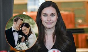 Thủ tướng trẻ nhất thế giới kết hôn với bạn trai yêu từ năm 18 tuổi