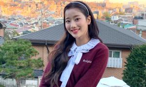 10 lần mix phụ kiện đỉnh cao của 'biểu tượng high teen' Na Eun