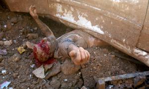 Hình ảnh gây sốc về nạn nhân kẹt dưới gầm xe sau vụ nổ Beirut