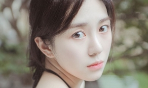 Mina đăng ảnh cổ tay rỉ máu, gửi 'trăn trối' đến Seol Hyun - Ji Min
