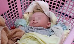 Nữ sinh bỏ con 10 ngày tuổi ở lề đường