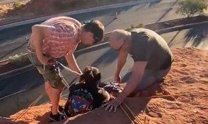 Suýt chết vì vướng tóc vào dây leo núi