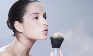 8 sai lầm dùng phấn phủ làm hỏng lớp makeup