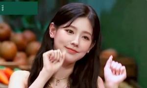 Nhan sắc khi đi show của Mi Yeon gây 'bão' vì quá đẹp