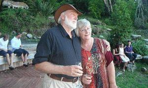 Cặp vợ chồng 52 năm qua đời cách nhau 16 giờ