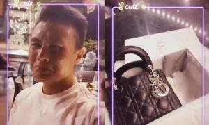 Quang Hải 'khóc mếu' khi tặng Huỳnh Anh túi hiệu 80 triệu đồng