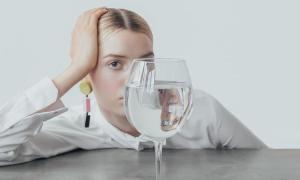 Uống nước đúng cách cũng có thể giảm cân
