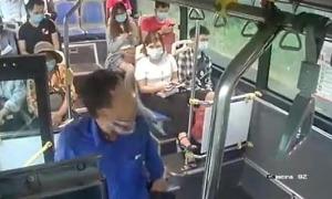 Nhổ nước bọt vào nữ phụ xe buýt vì bị nhắc đeo khẩu trang