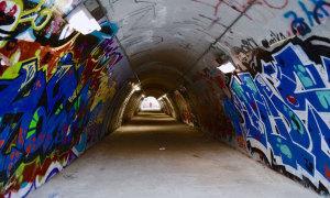 Đường hầm Sinchon Graffiti từng xuất hiện trong phim Hàn nào?