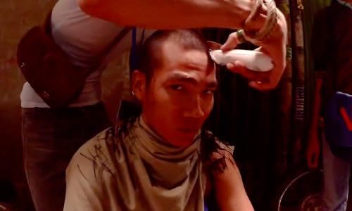 Rapper Wowy cạo đầu để đóng phim 'Ròm'